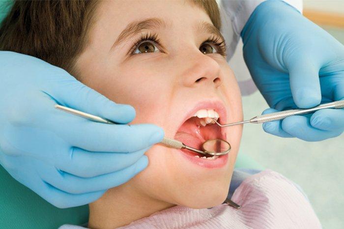 cura dei denti da latte